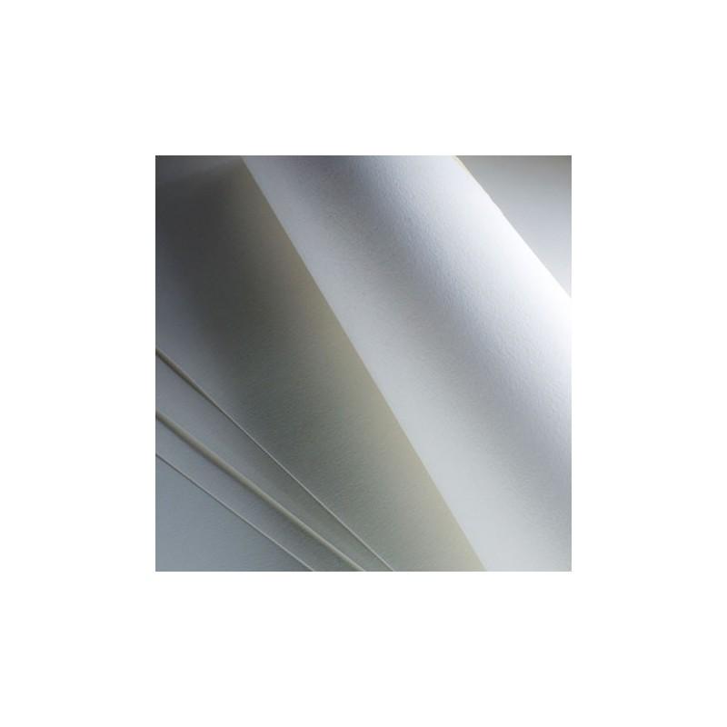 Fabriano Artistico Extra White, confezione da 10 fogli, cm 56x76, grana satinata, 300gr/mq